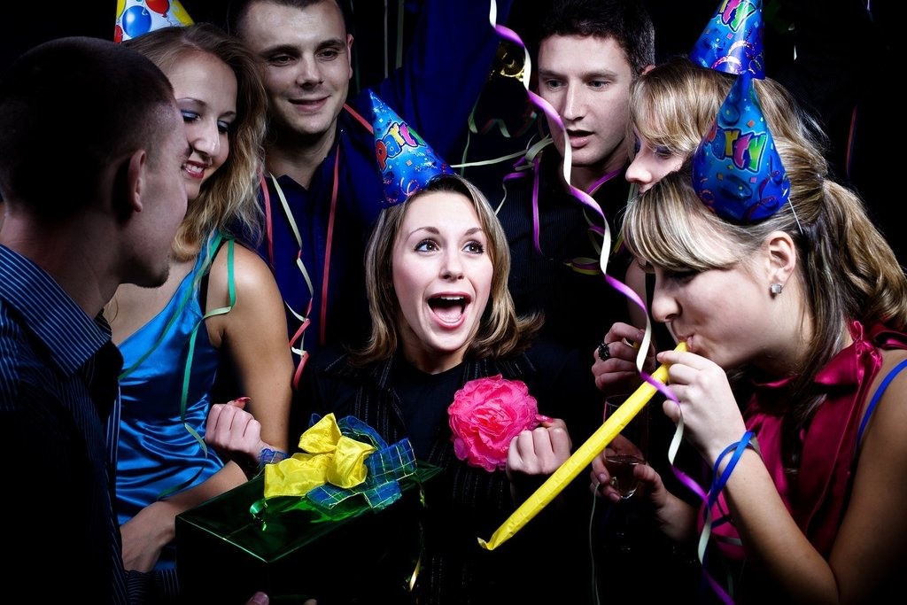 More-21st-birthday-party-ideas-for-her.jpg