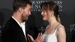 Jamie Dornan a Dakota Johnson na parížskej premiére filmu Fifty Shades Freed